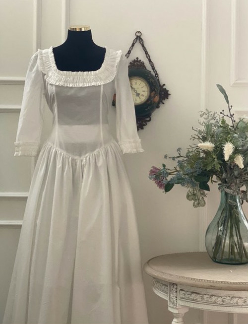 little women white dress パジャマ