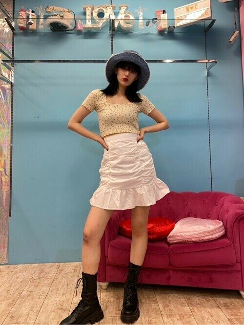 K-POPっぽいコーデがしたい♡ビビっと強気、お派手&ラブリーな服が買える7店
