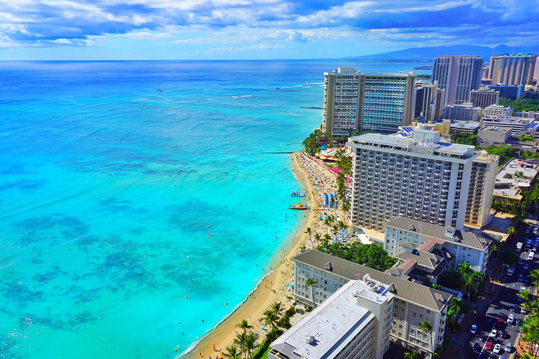 ハワイ観光の定番、ワイキキビーチ