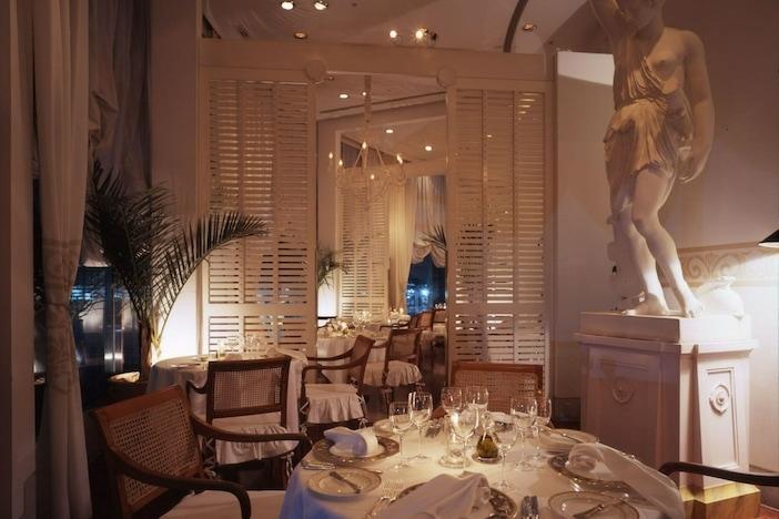 今夜は『Hotel The Manhattan』で