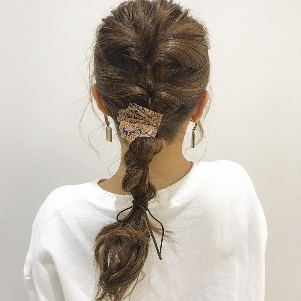 こなれヘアに最適なヘアアクセサリー