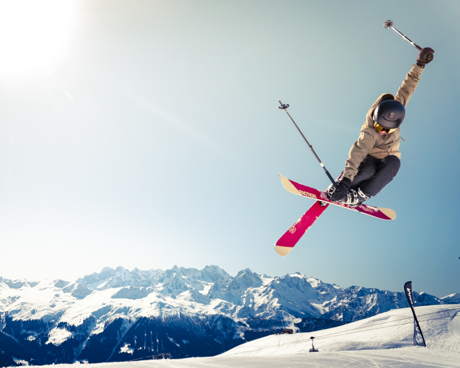 スキー場や温泉地で「リゾート」バイト