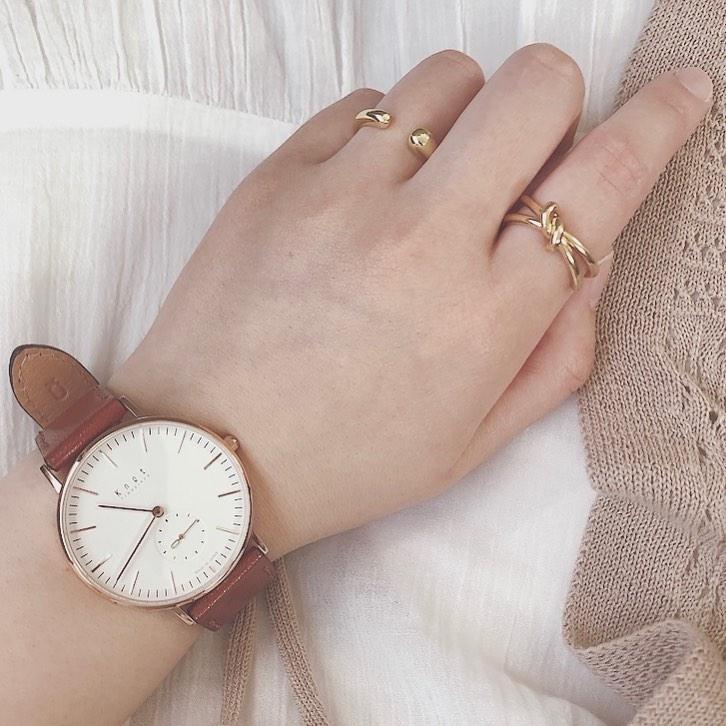 ladyに腕時計はマスト?