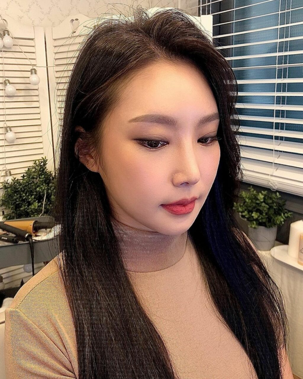 【韓国メイク最新トレンド】立体感を作る「陰影メイク」のコツをプロのメイクさんに聞いてきました♡