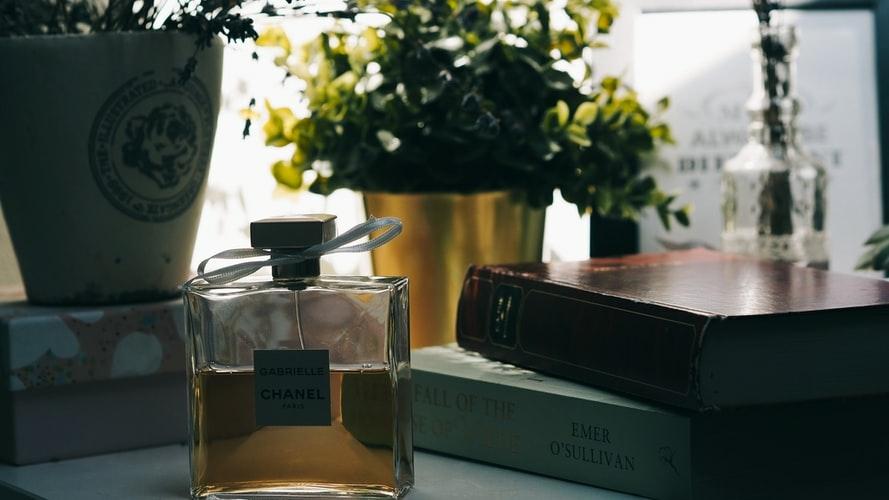 可愛い香水瓶は素敵なインテリアに大変身
