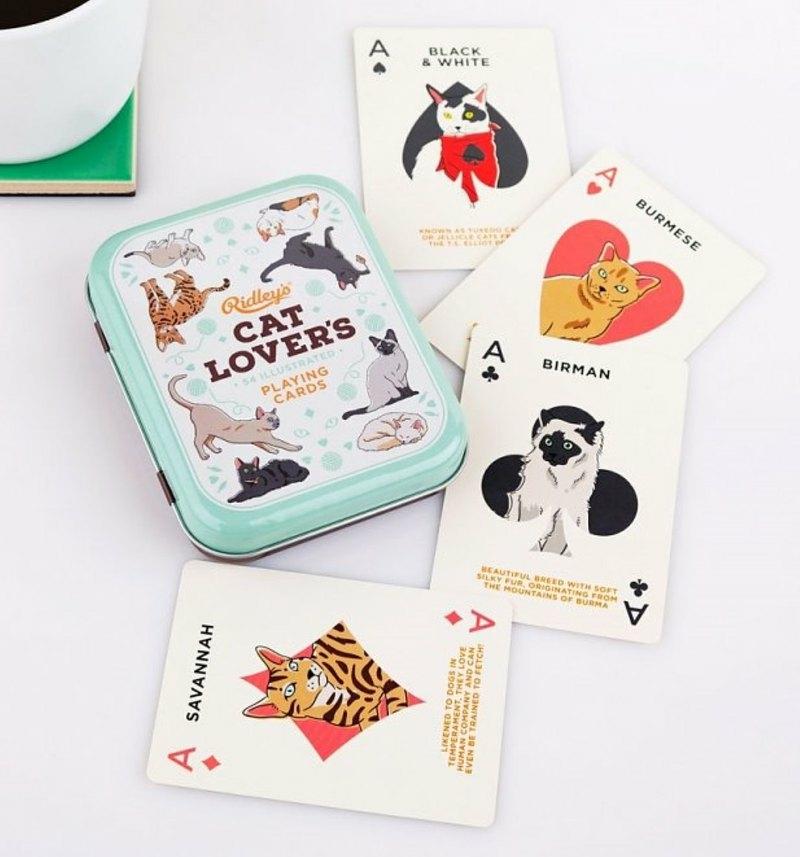 外出先でもゲットしやすいカードゲーム