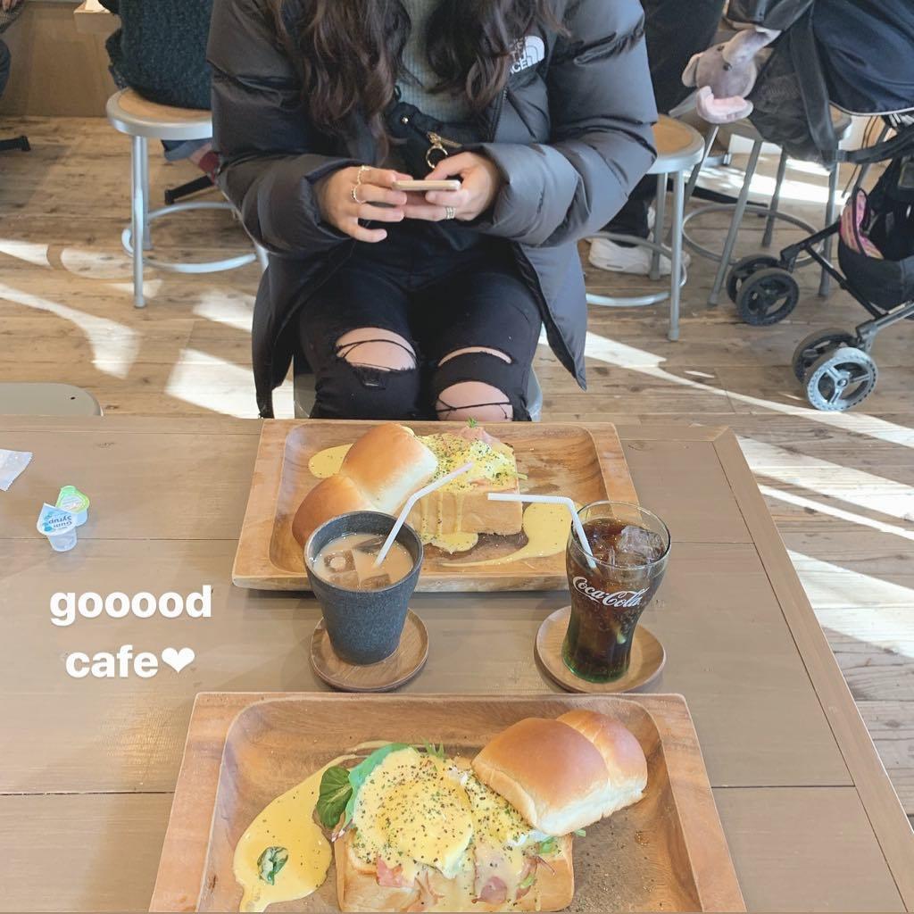 『はちの巣カフェ』