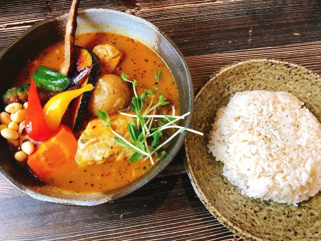 1.Rojiura Curry SAMURAI.