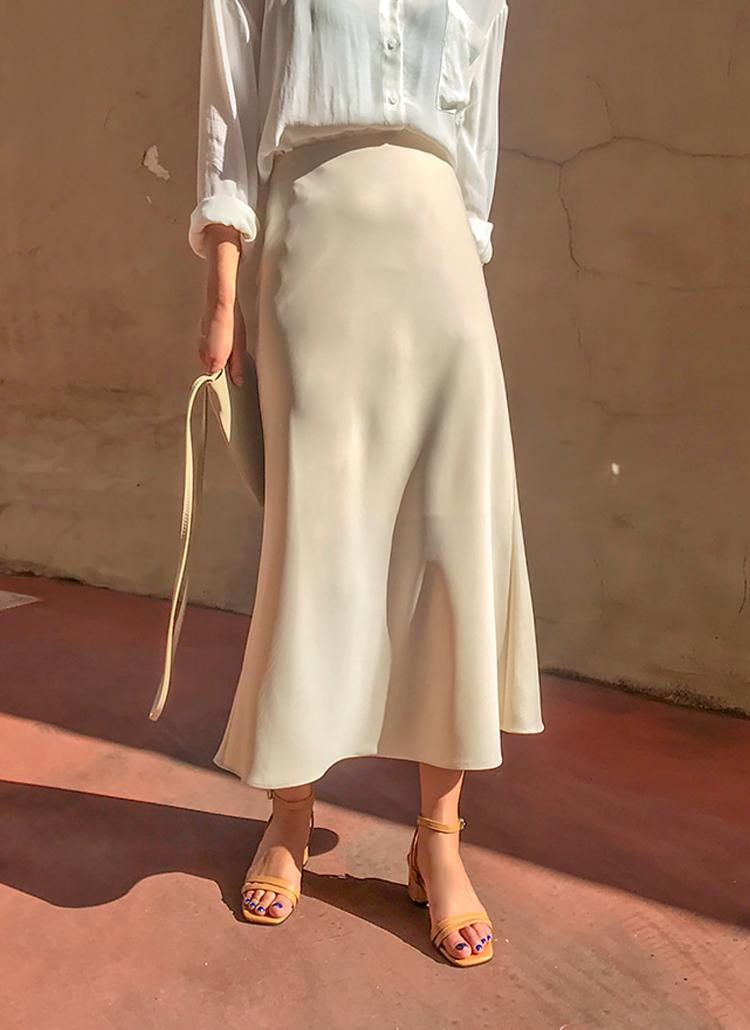 ロングフレアシルエットスカート