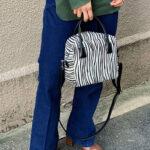冬服のポイントは「BAG」でつくる。色や柄のメリハリコーデに魅せられて。