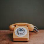 私を優しく包み込んでくれるのは、あなたの声だ。長電話が紡ぐ3つのストーリー