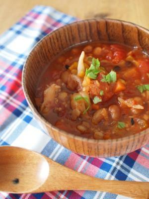 福豆と雑穀のスパイシー・ダイエット・トマトスープ