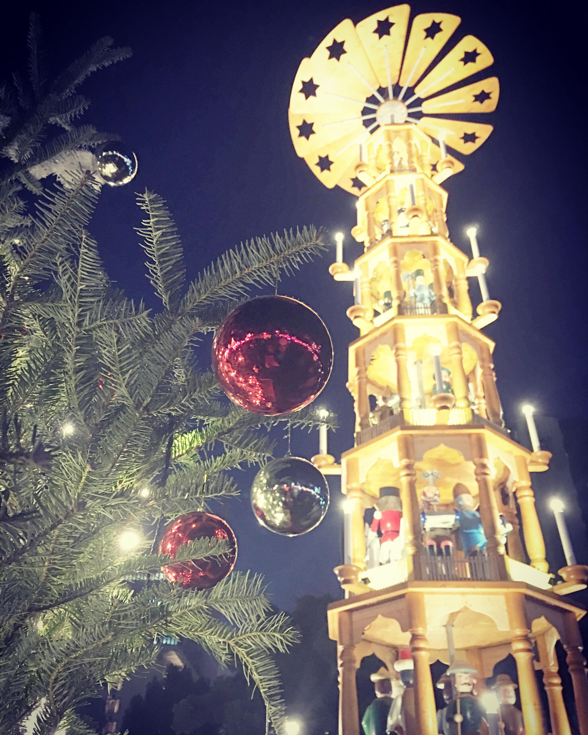 18:30 クリスマスマーケットへ
