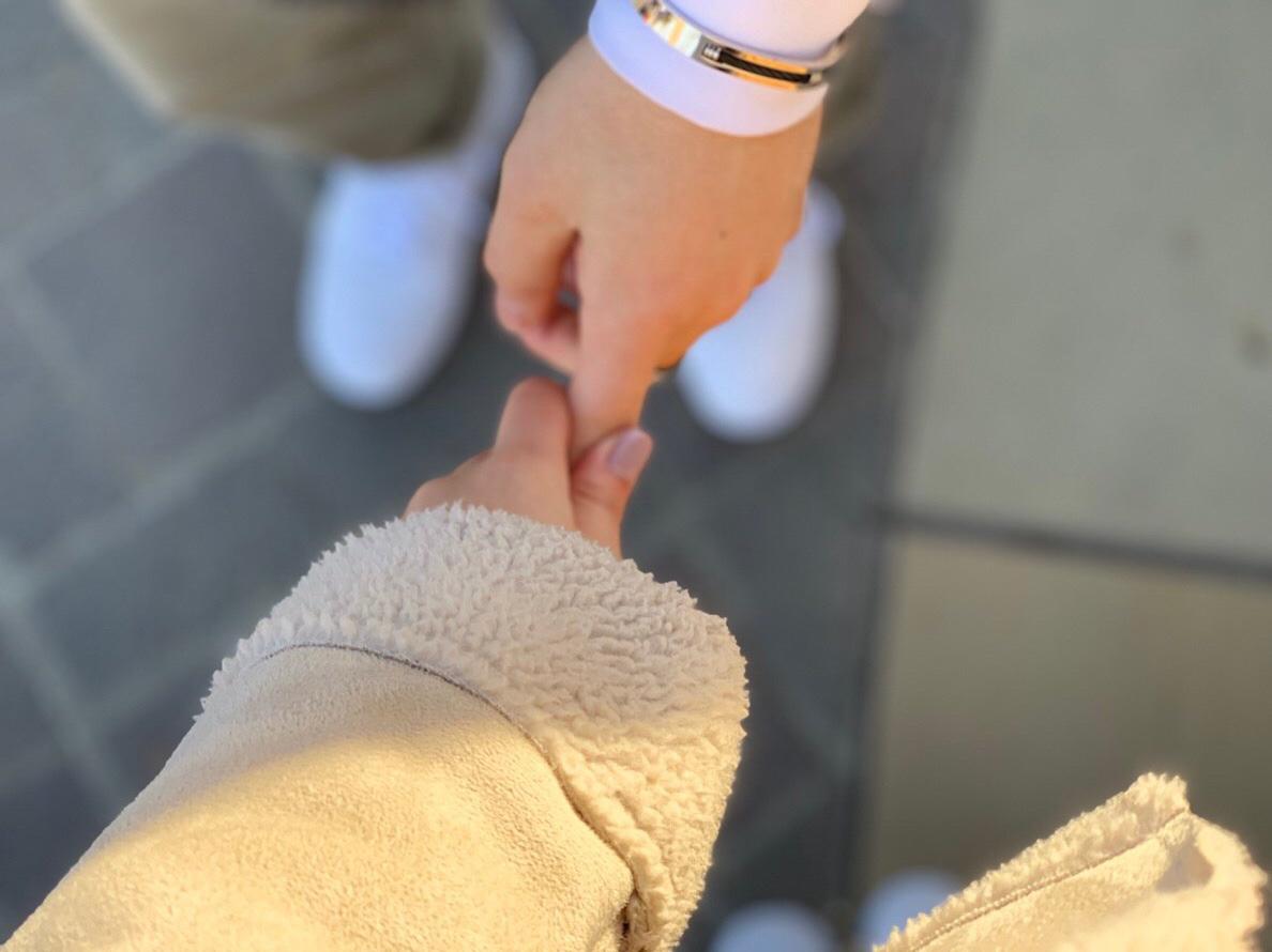 手の冷たさは、手を繋ぐ口実になるかも