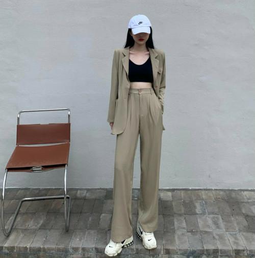 (2)どのファッションも着こなすスタイル