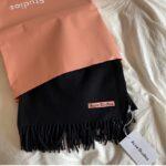 大定番Acne Studiosのスカーフが欲しいの。ず~っと使える可愛い色7選をご紹介