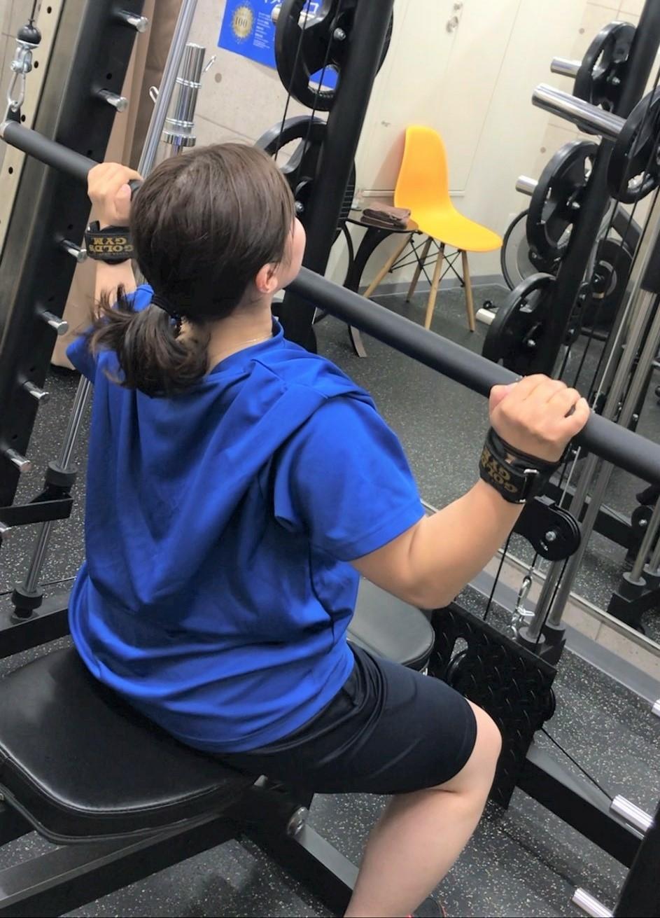 Q:運動面ではパーソナルトレーニングを受けていたとのことですが、 具体的にはどのようなことを?