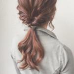 髪の量が多い人向けのヘアアレンジ!ボリュームダウンさせながら、こなれ感を漂わせて