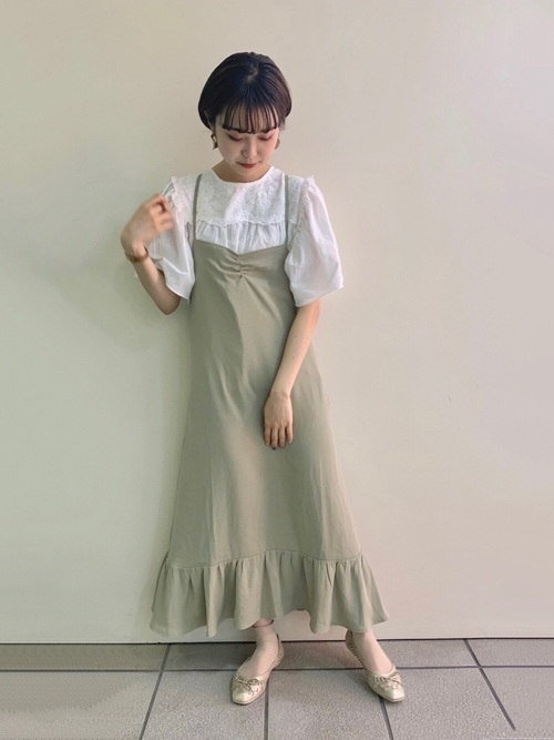 →華奢な雰囲気をだせる洋服に身を包んで
