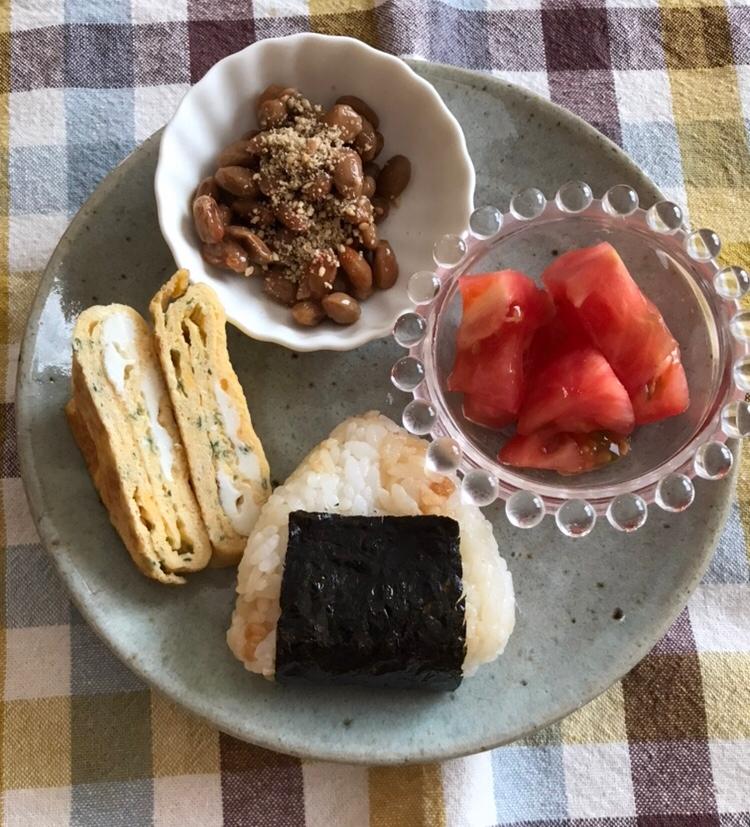 醤油天かすおむすびの朝ごはんプレート