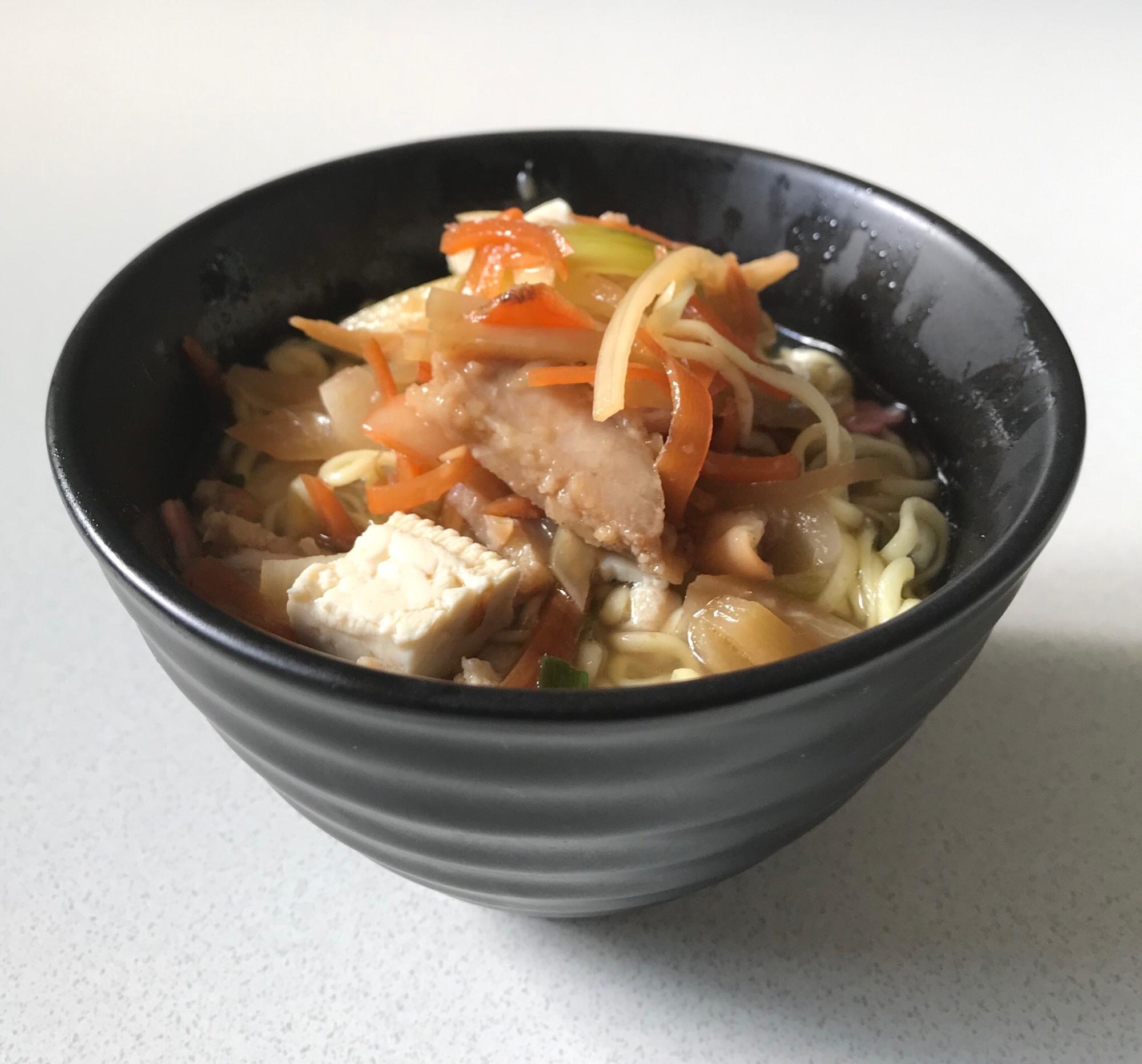豆腐きんぴら玉ねぎ唐揚げ餃子柚子塩ラーメン