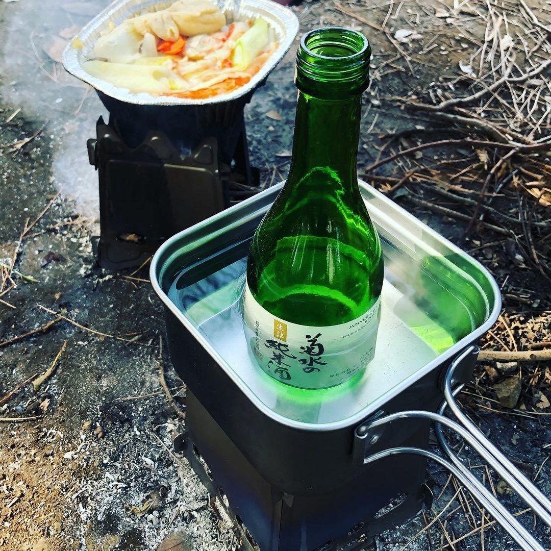 (2)お酒を飲むときに何かを一緒に食べる