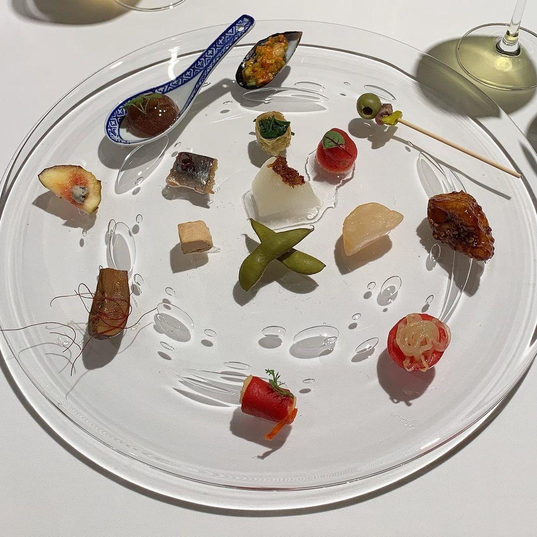 芸術のように美しい15種類の繊細な料理を