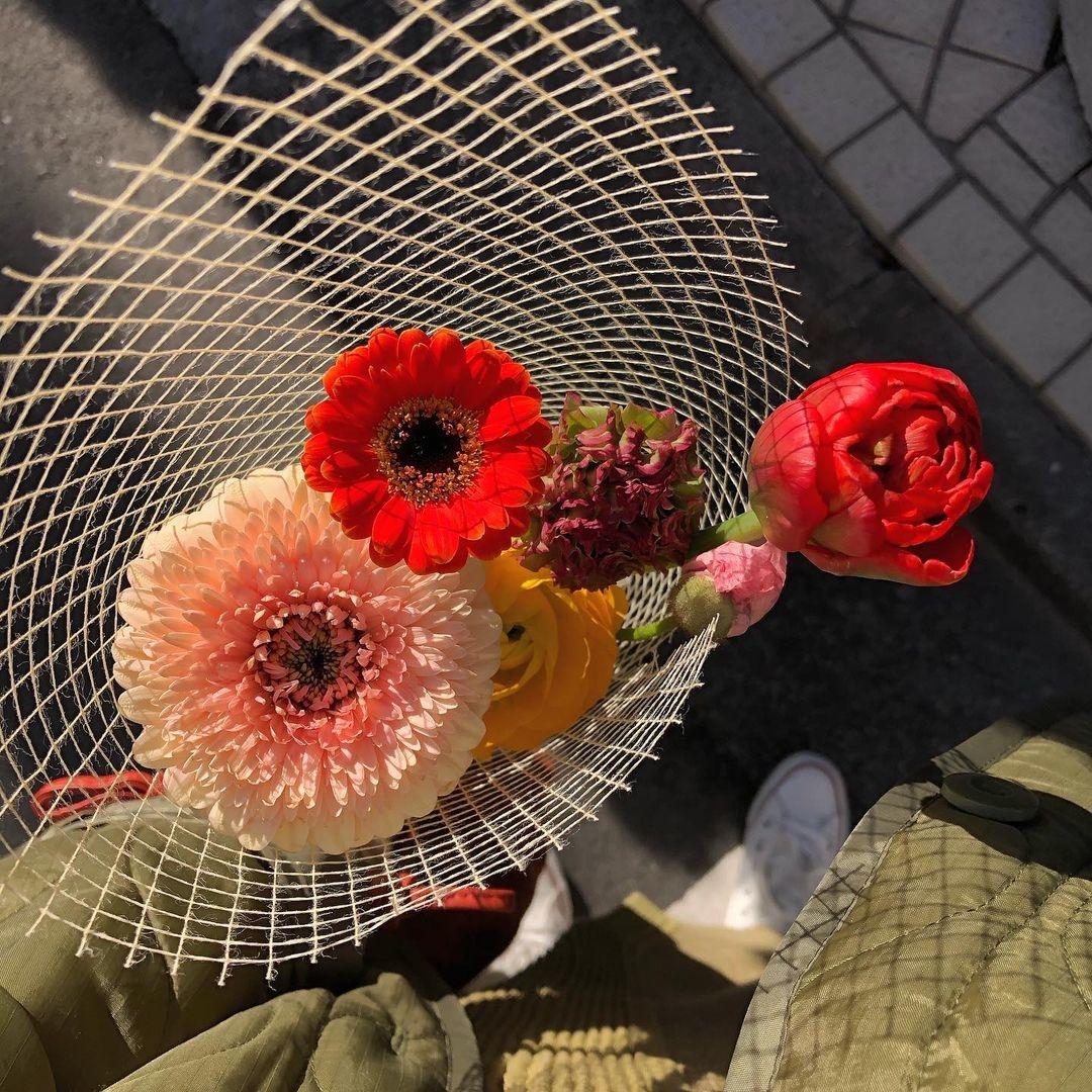 お出かけついでにお花を買って