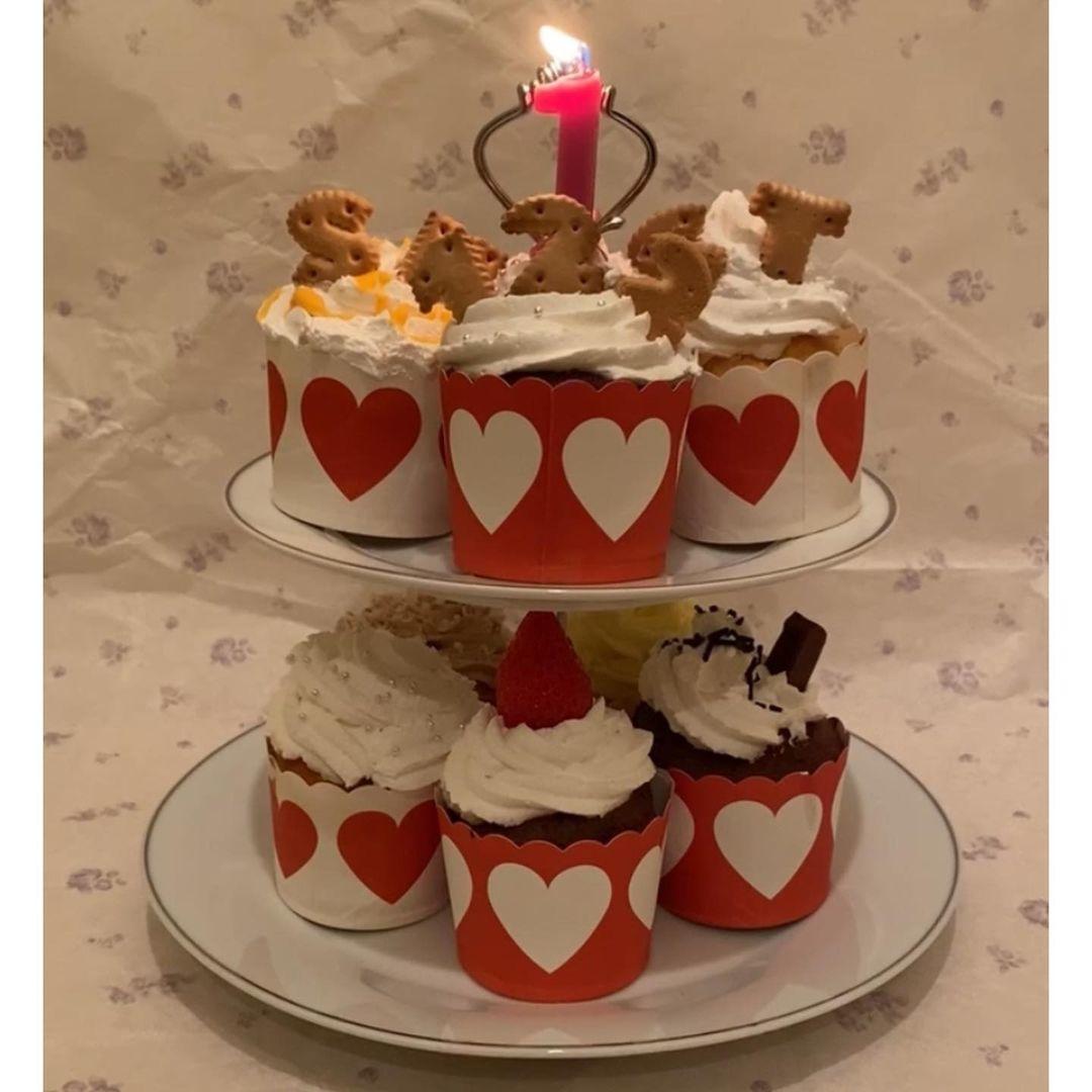 カップケーキを並べてキュートさUP
