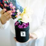 旬のお花が届く!お手入れ不要で手軽にスタートできる「お花の定期便」はいかが?