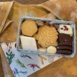 普通の日を、スペシャルな日にしよう。幸せを運ぶ「クッキー缶」が買える6つのお店