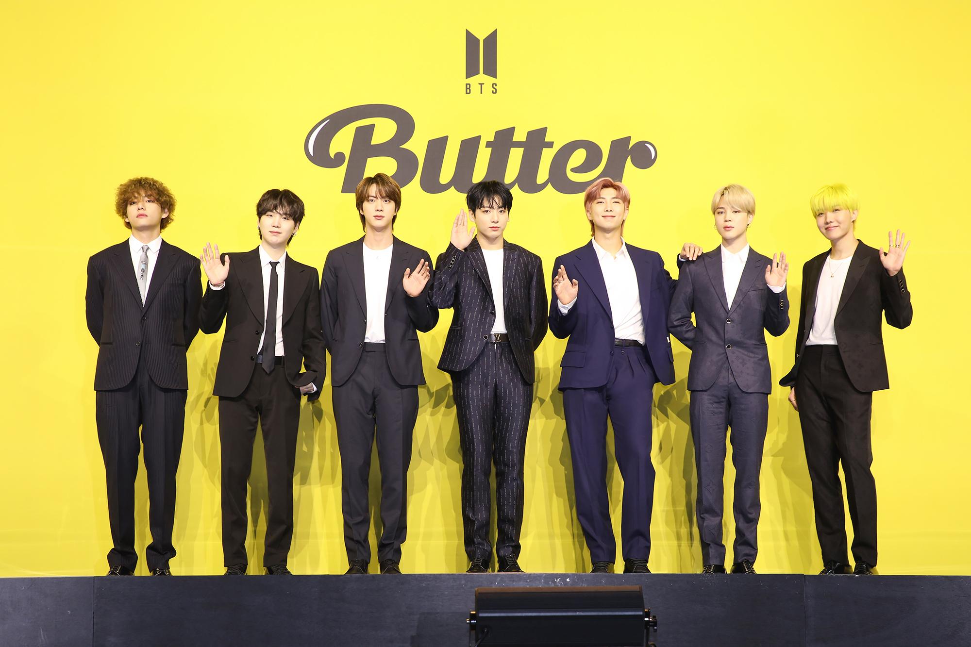 BTS Butter オンライン記者会見 集合写真