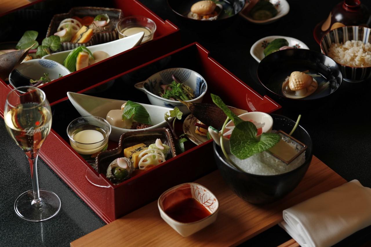 ホテル雅叙園東京「渡風亭」でのディナーメニュー