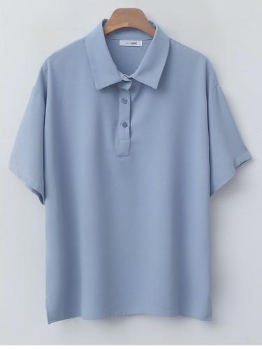 襟付きシャツ