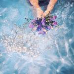 花 女の子 水