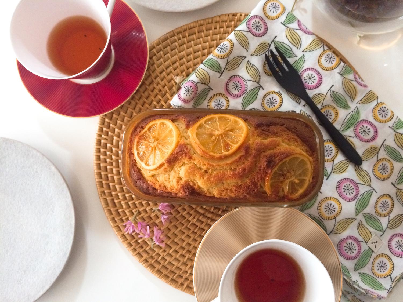 紅茶とパウンドケーキ