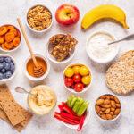 フルーツやヨーグルトなどの健康的なスナック