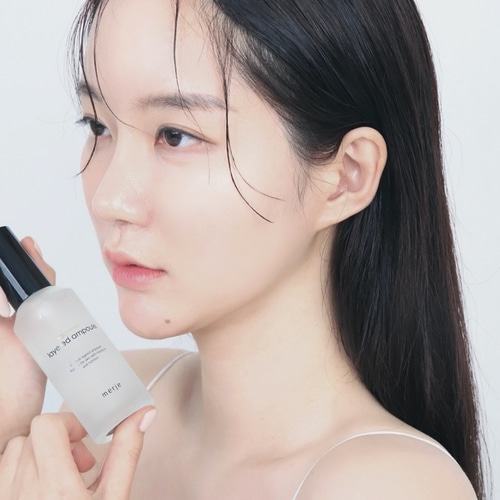 韓国コスメメルジェのモデル写真