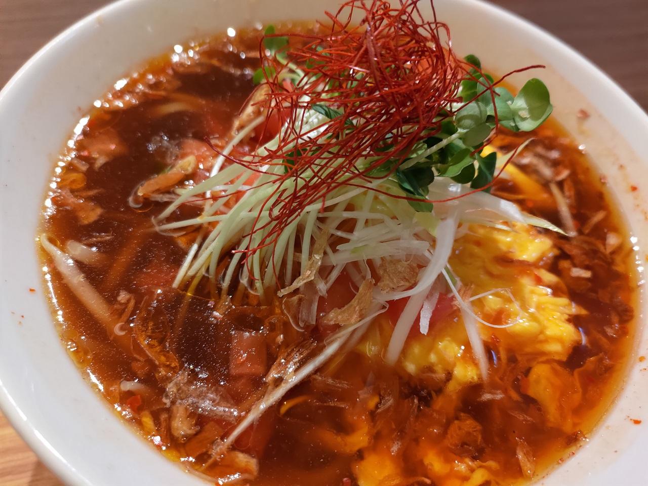 ピリ辛トマト酸辣湯麺